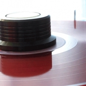 Red color vinyl spinning
