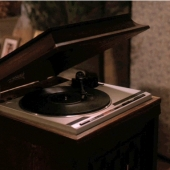 Twin Peaks, Episode 14, record player