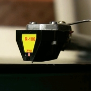 ZYX R100 moving coil phono cartridge
