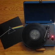 Pink Floyd - Dark side of the moon an a retro record player